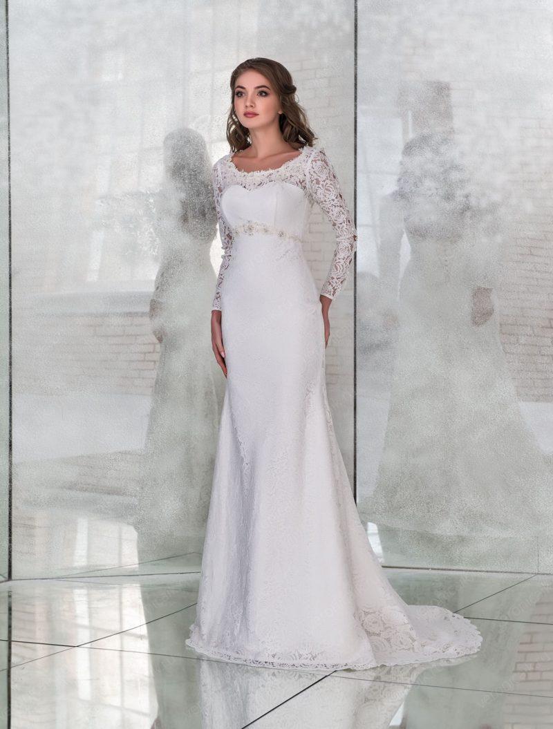 Свадебное платье «русалка» с открытой спинкой и длинным рукавом.