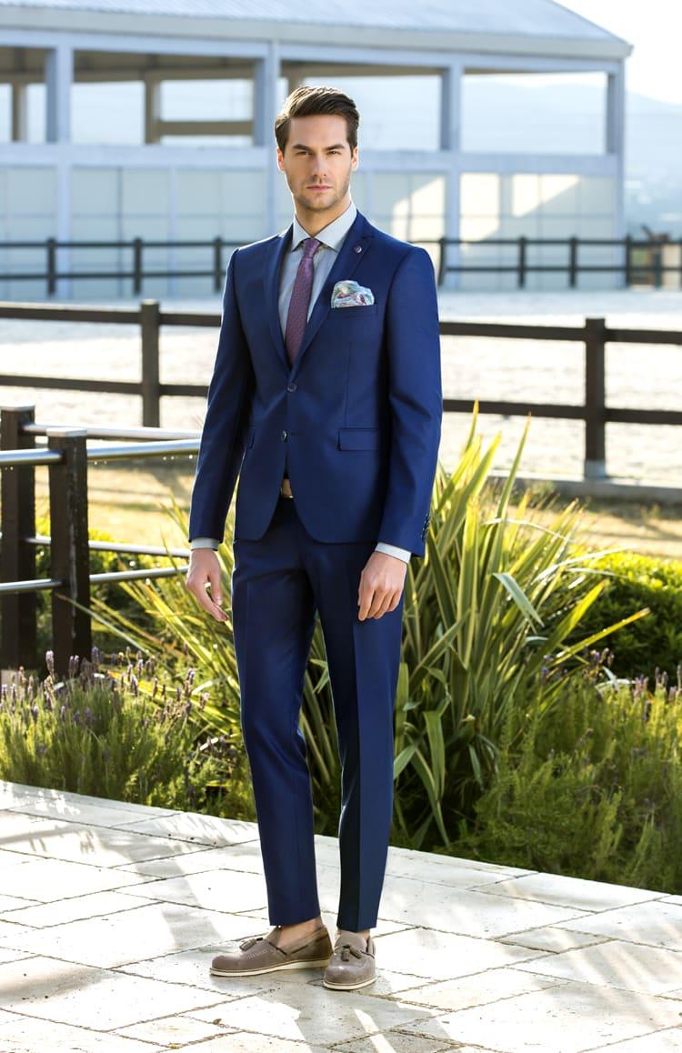 ▶▶Синий мужской свадебный костюм с укороченными брюками. ☎ +7 495 724 26 05 ▶▶ Свадебный центр Вега Ⓜ Петровско-Разумовская