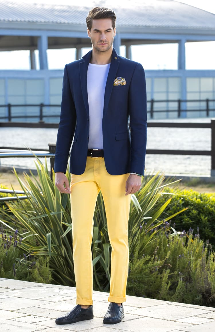 ▶▶Сине-желтый мужской свадебный костюм с однобортным пиджаком. ☎ +7 495 724 26 05 ▶▶ Свадебный центр Вега Ⓜ Петровско-Разумовская