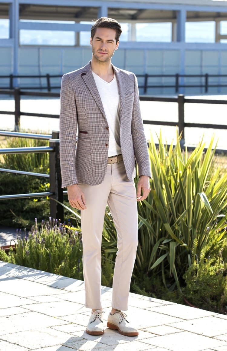 ▶▶Коричнево-бежевый мужской костюм с прямыми брюками. ☎ +7 495 724 26 05 ▶▶ Свадебный центр Вега Ⓜ Петровско-Разумовская