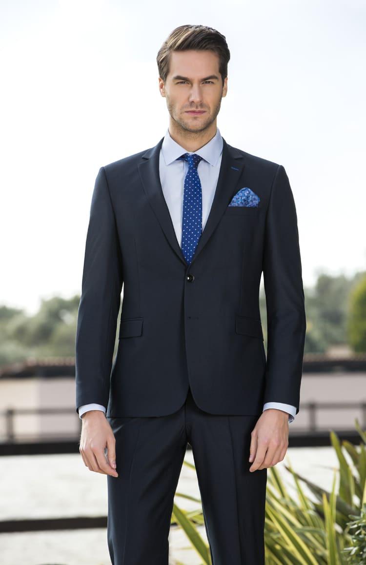 ▶▶Черный мужской свадебный костюм с однобортным пиджаком. ☎ +7 495 724 26 05 ▶▶ Свадебный центр Вега Ⓜ Петровско-Разумовская