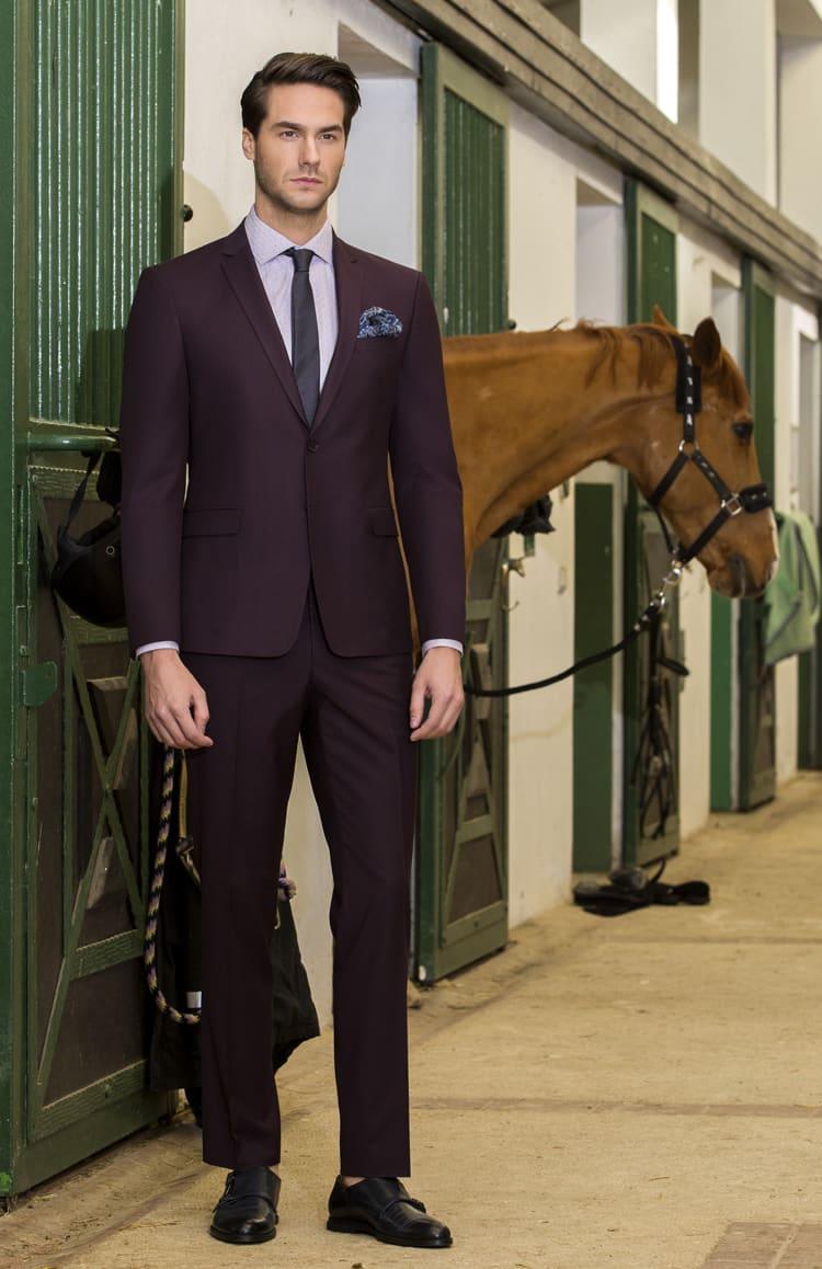 ▶▶Темно-фиолетовый мужской костюм с прямыми брюками. ☎ +7 495 724 26 05 ▶▶ Свадебный центр Вега Ⓜ Петровско-Разумовская
