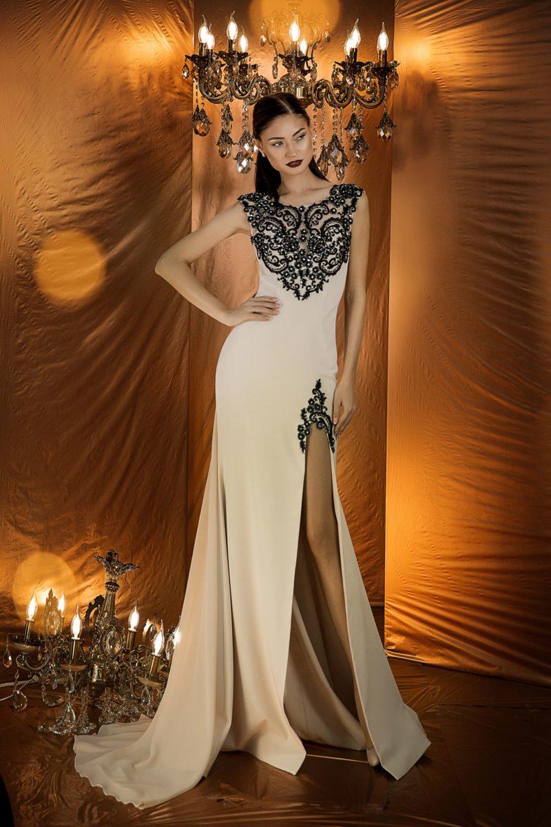 Шифоновое вечернее платье нежного кремового оттенка