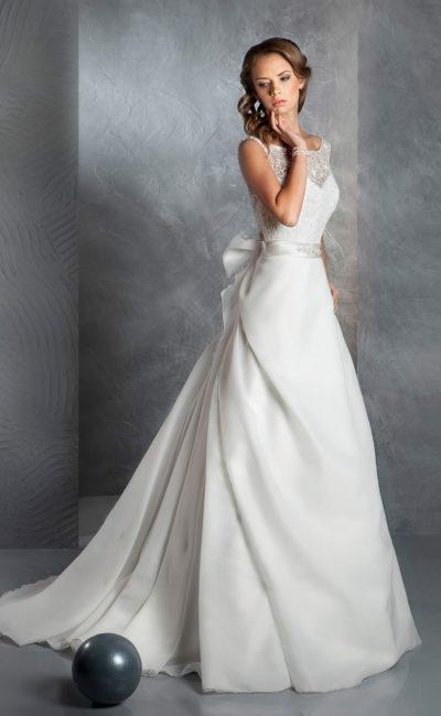 Недорогое платье с бантом