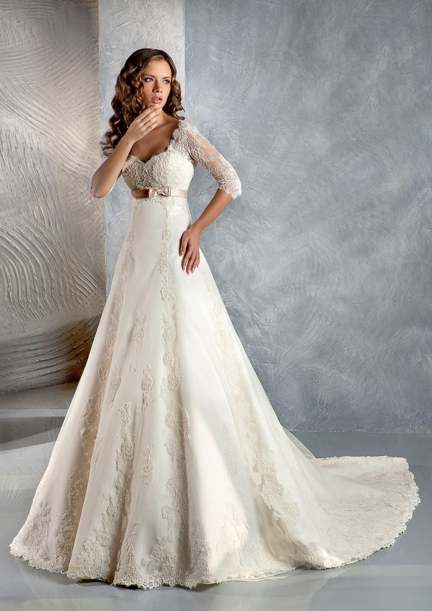 c8cc3ed539e Свадебное платье Gabbiano Нэйджел ▷ Свадебный Торговый Центр Вега в ...