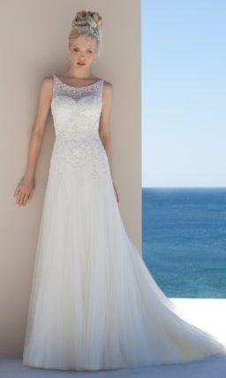 Свадебное платье «принцесса» с изящным шлейфом и бисерной вышивкой.