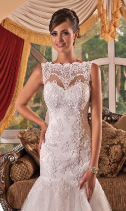 Ажурное свадебное платье «рыбка» с элегантным фигурным вырезом бато.