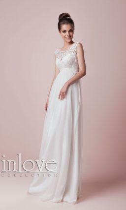Безупречно элегантное свадебное платье прямого кроя с округлым вырезом и завышенной талией.