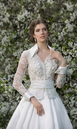 Свадебное платье ретро с юбкой годе и воротничком