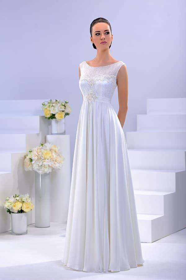 Сияющее свадебное платье в ампирном стиле с закрытым лифом.