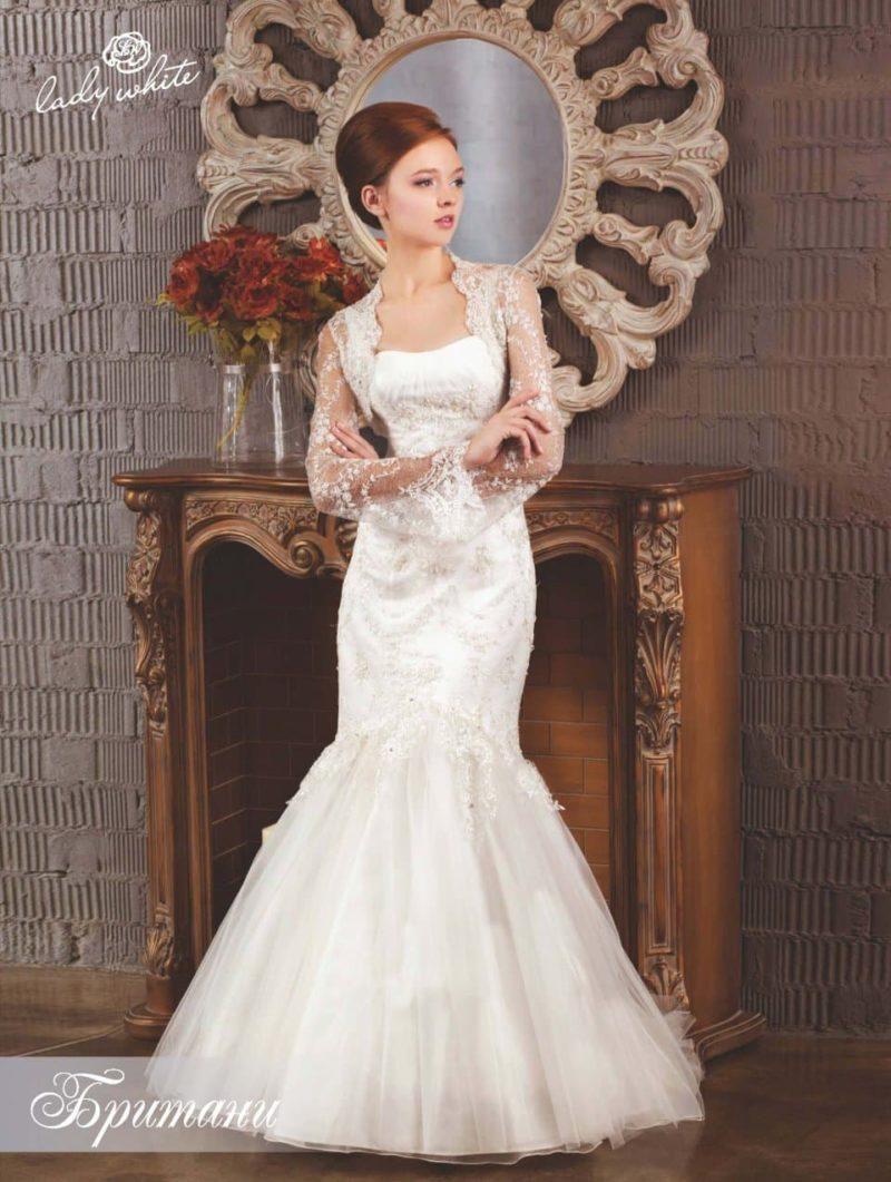 """Атласное свадебное платье """"рыбка"""" с полупрозрачными рукавами."""