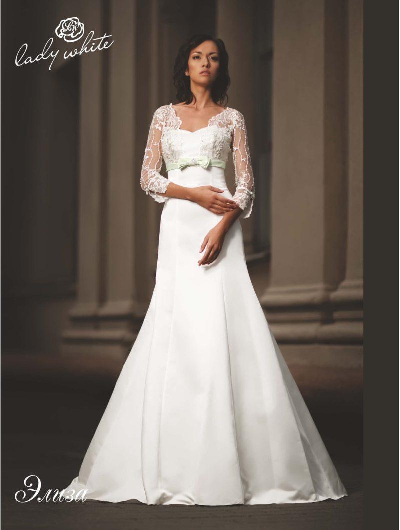 Свадебное платье зауженного силуэта принцесса с кружевным рукавом в три четверти. 