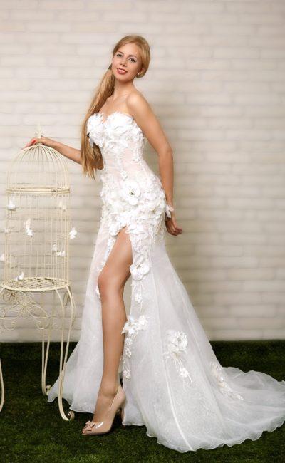 Броское свадебное платье