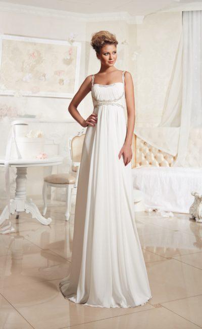 Ампирное свадебное платье с изысканной бисерной вышивкой по лифу с узкими бретельками.