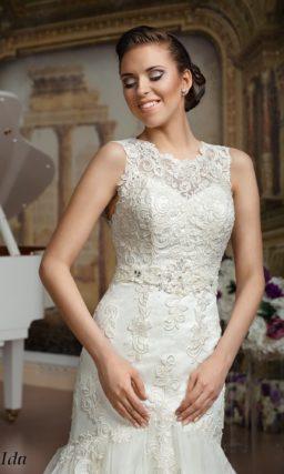 Свадебное платье «русалка» с роскошной многослойной юбкой и вышивкой по корсету.