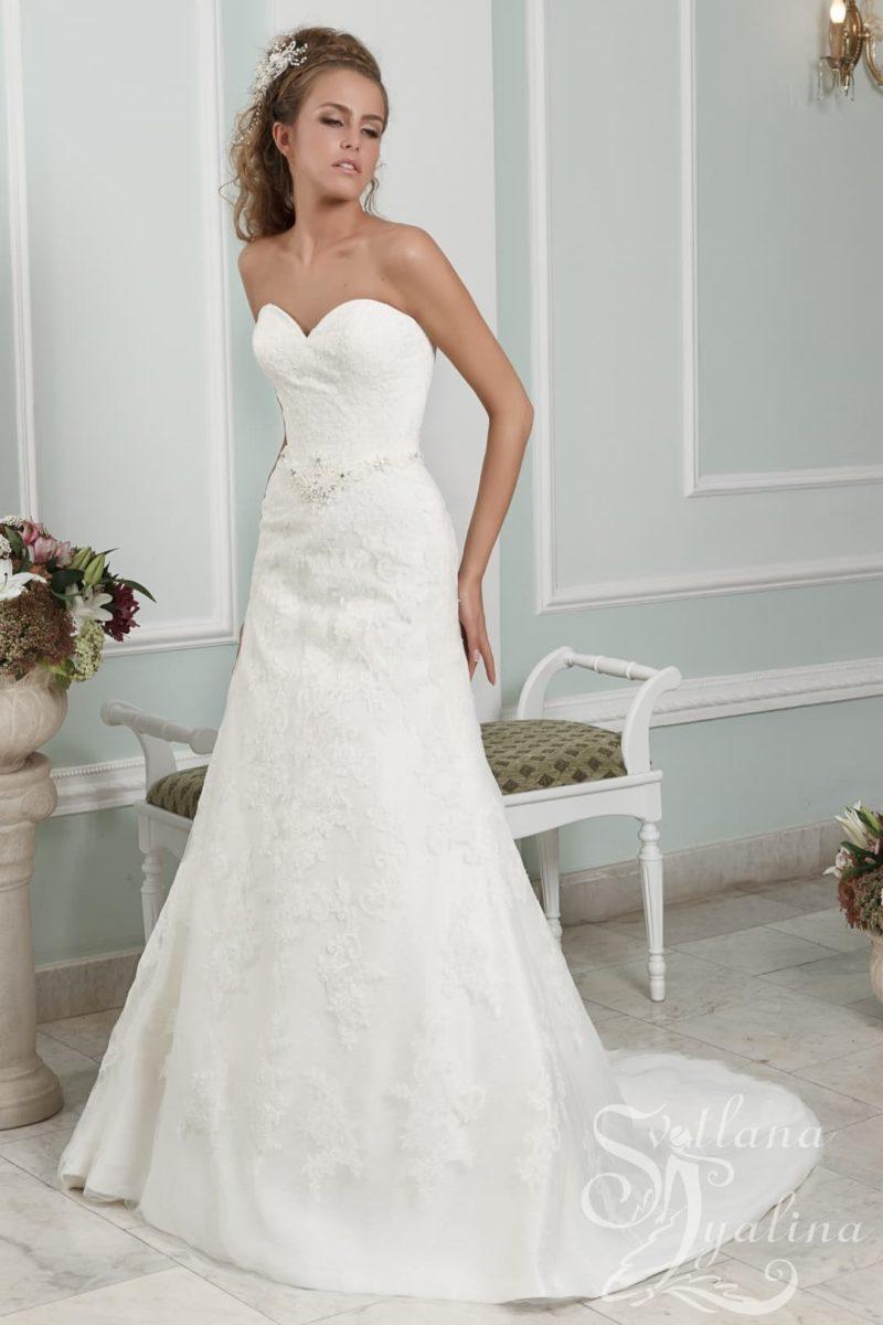 Открытое свадебное платье «принцесса» с лифом в форме сердца.