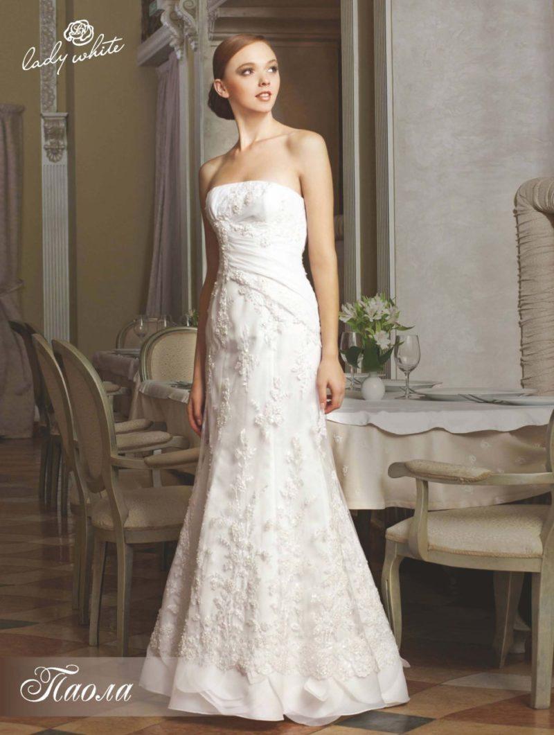 """Романтичное свадебное платье """"рыбка"""" с объемным декором."""