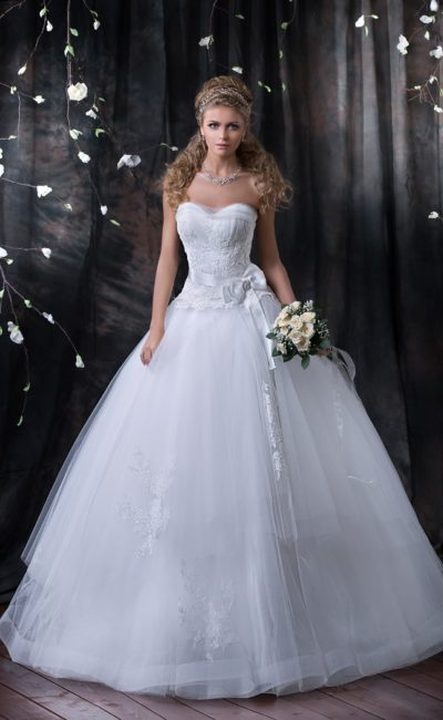 свадебное платье пышного кроя