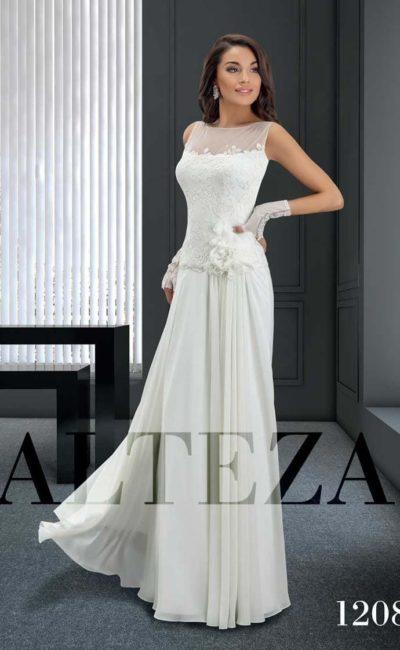 Прямое свадебное платье с фактурной отделкой закрытого тонкой вставкой лифа.