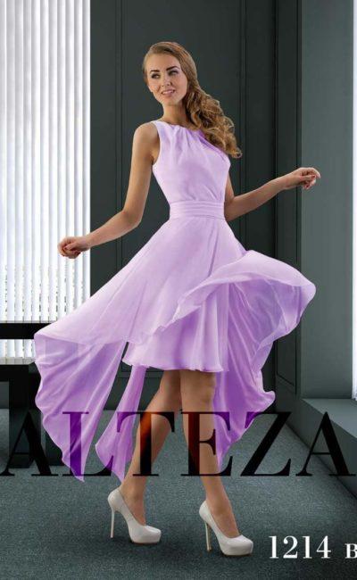 Лиловое свадебное платье с округлым вырезом и короткой юбкой.