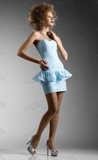 Кружевное свадебное платье с пышной баской на заниженной линии талии.