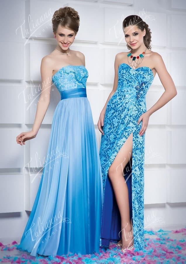 Эффектное вечернее платье голубого цвета с кружевной отделкой.