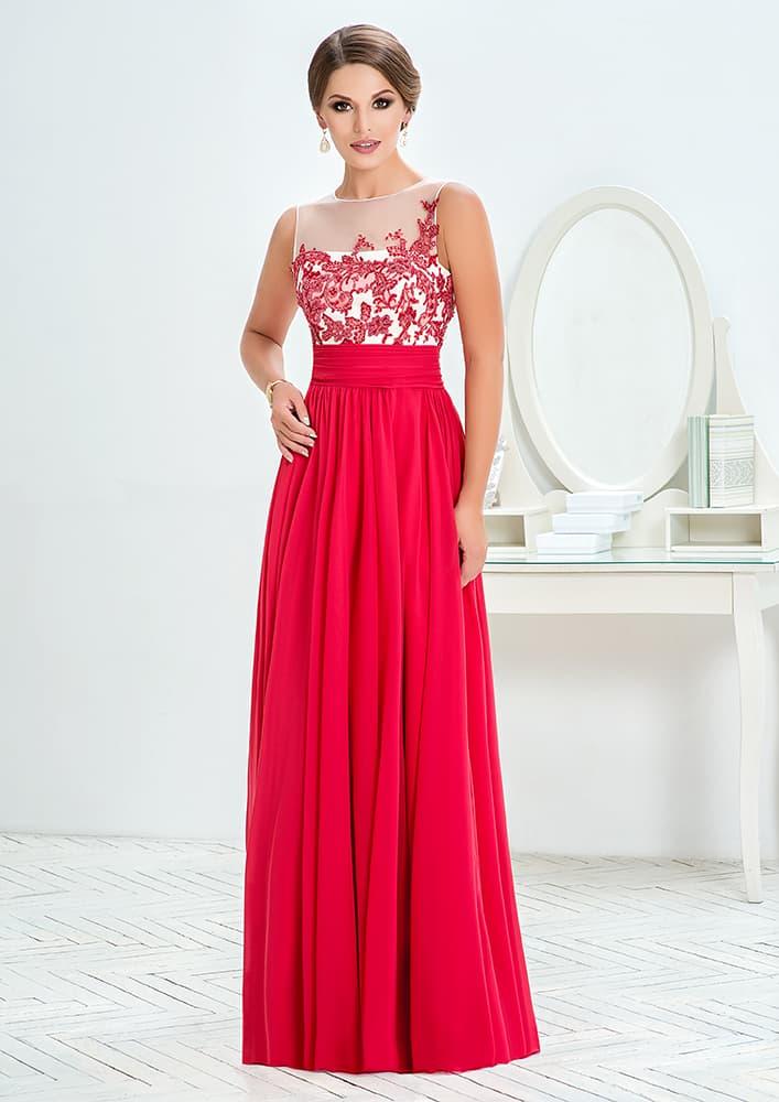 Прямое вечернее платье с кружевным декором закрытого верха.