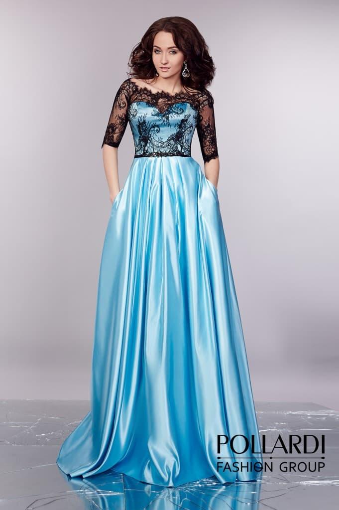 Атласное вечернее платье голубого цвета с черным кружевным декором закрытого верха.