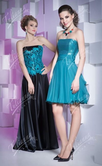 Вечернее платье с юбкой в пол или до колена, с открытым лифом.