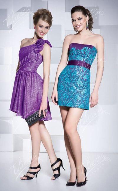 Фиолетовое вечернее платье облегающего кроя «футляр».