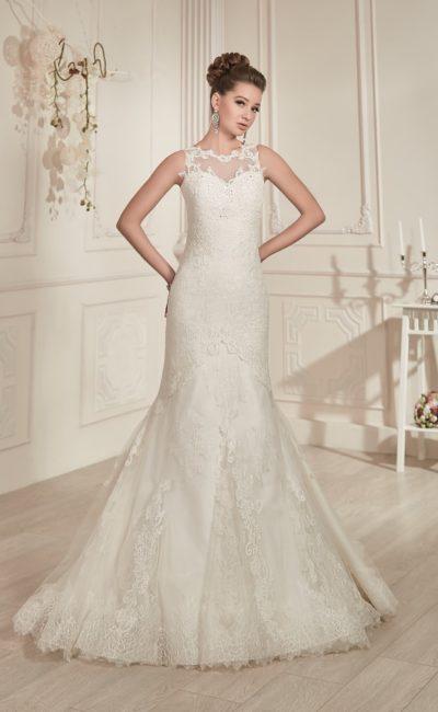 Стильное свадебное платье «русалка» с кружевной спинкой и фигурным вырезом под горло.