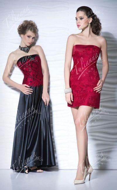 Короткое вечернее платье с плотным кружевным декором.