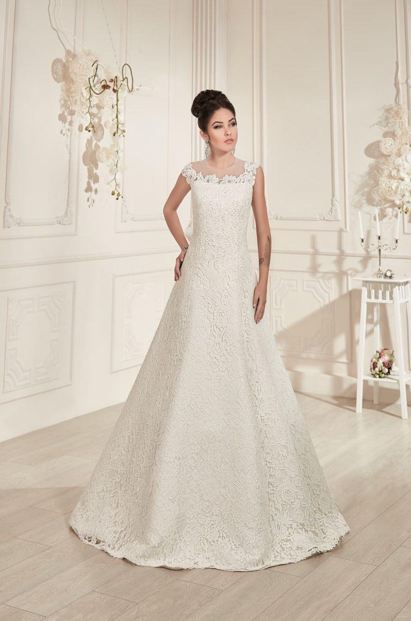 Свадебное платье «трапеция» с кружевным декором и изящной спинкой с полупрозрачной вставкой.