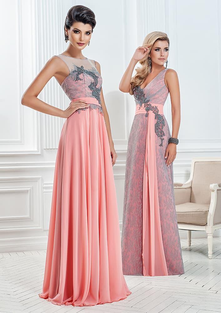 Прямое вечернее платье розового цвета с отделкой серым кружевом.