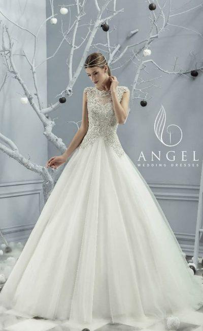 Свадебное платье с воздушным подолом из тюльмарина и серебристым верхом.