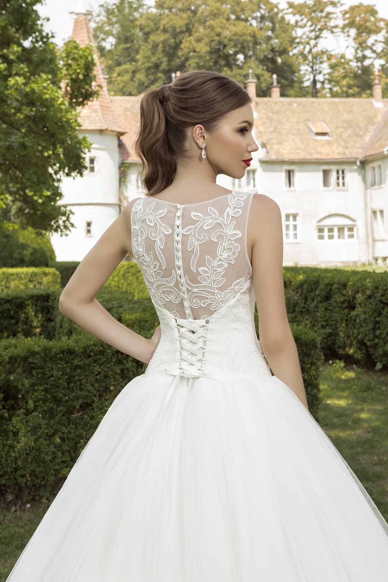 3d62f078f84  shop tokio   shop sevilya-4 . Armonia Любовь в большом городе   Сингапур.  Пышное многослойное свадебное платье ...