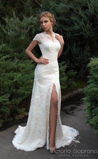 свадебное платье с разрезом на юбке
