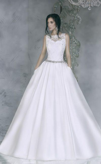 Сияющее свадебное платье