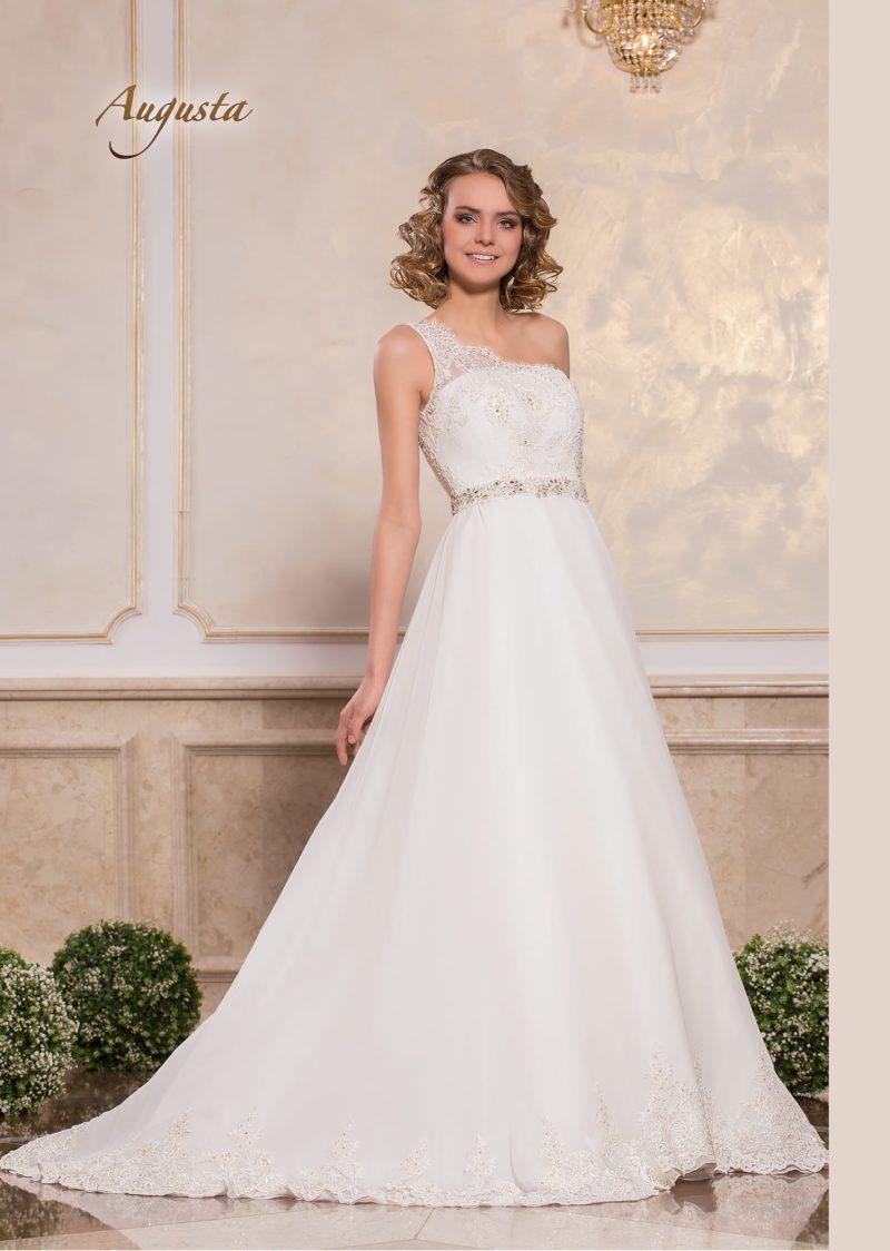 Элегантное свадебное платье «принцесса» с изящным асимметричным лифом.