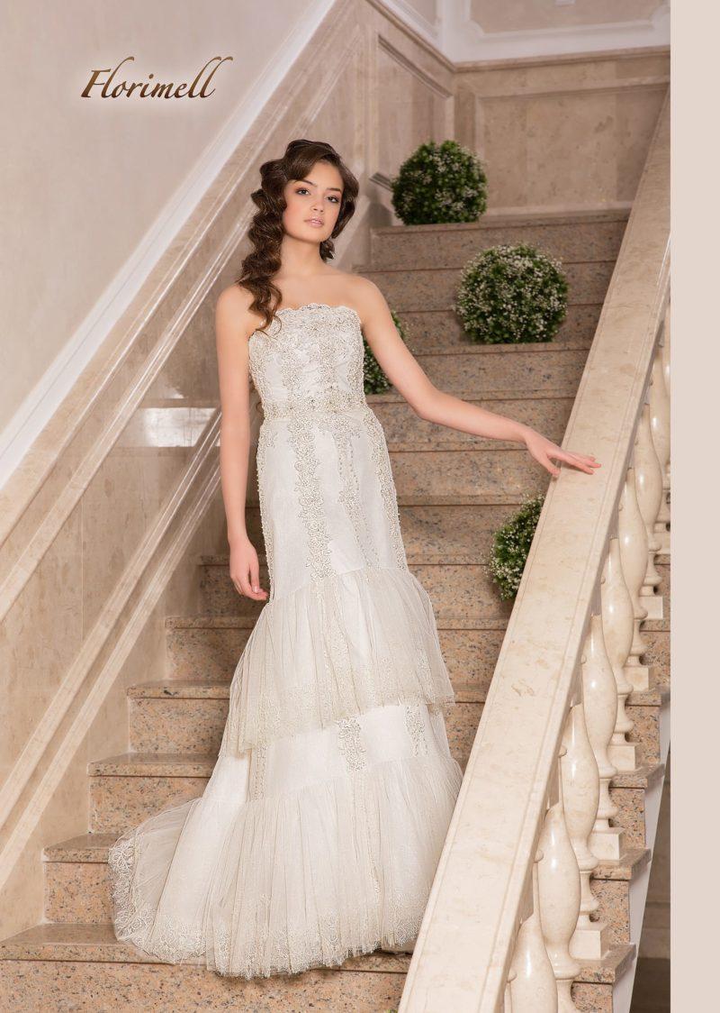 Необычное свадебное платье «русалка» с бисерной отделкой.