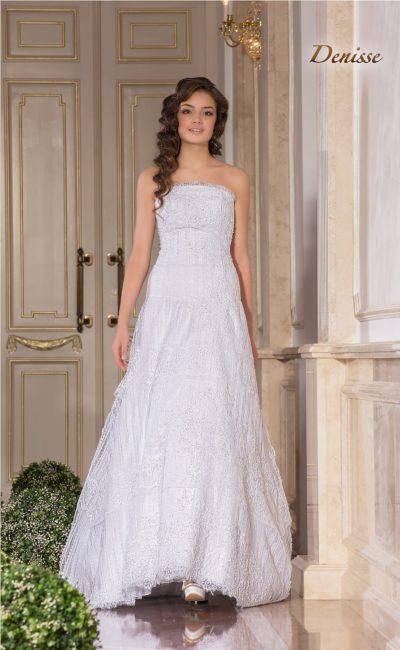 Женственное свадебное платье «принцесса» с отделкой из кружева.