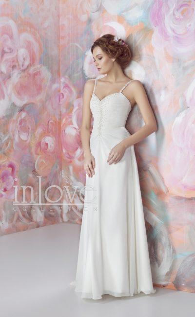 Прямое свадебное платье с бисерным декором корсета и узкими бретельками.