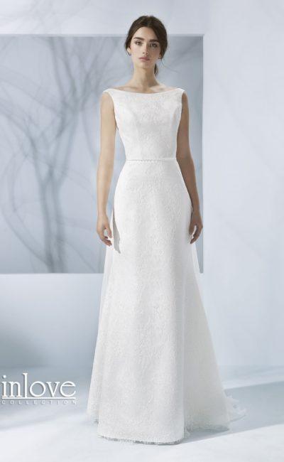 Свадебное платье с декольте «лодочкой»