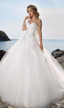 свадебное платье с роскошной юбкой
