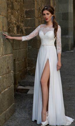 Прямое платье с разрезом