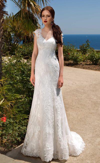 свадебное платье с прозрачным шлейфом