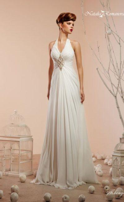 Свадебное платье в ампирном стиле с отделкой драпировками и американской проймой.