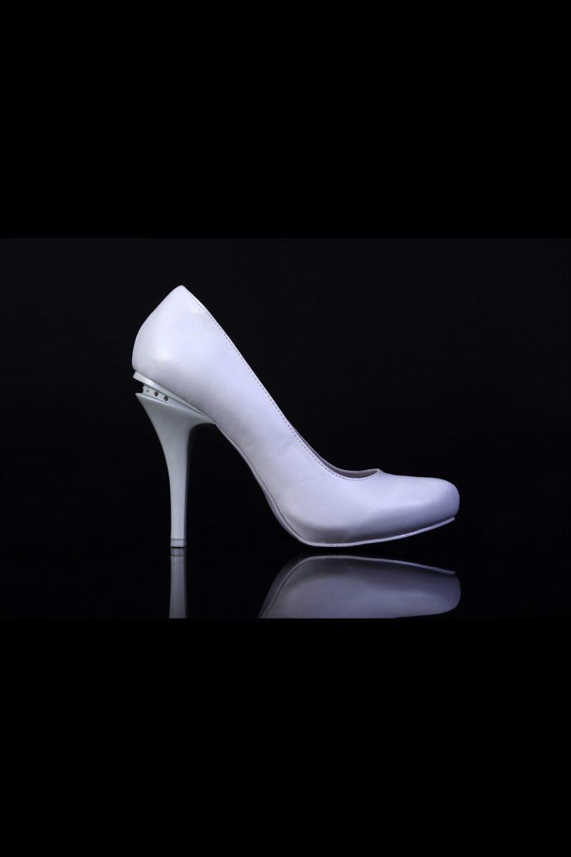 Туфли кожаные с оригинальным декором каблука