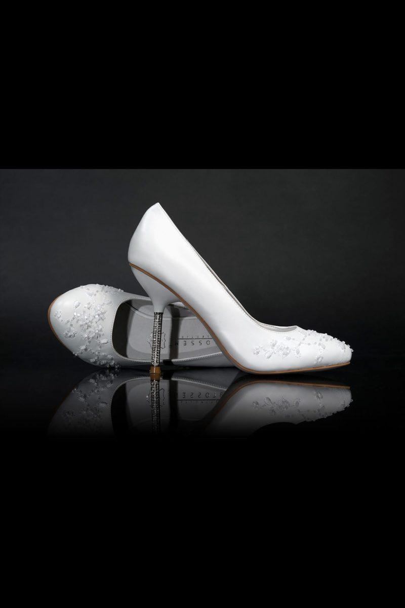 Туфли кожаные с вышивкой на носке