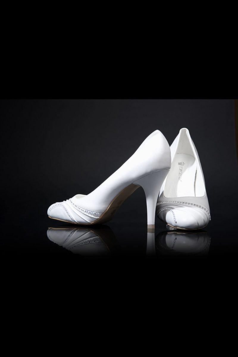 Туфли кожаные с декором драпировками и бисером